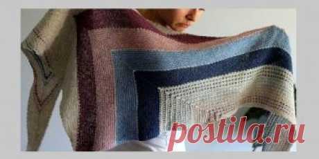 Вязаная полосатая шаль Serenity Вязаная спицами треугольная шаль с яркими полосами. Асимметричная треугольная шаль с яркими контрастными полосами связана спицами текстурным узором в комбинации с простой платочной вязкой.