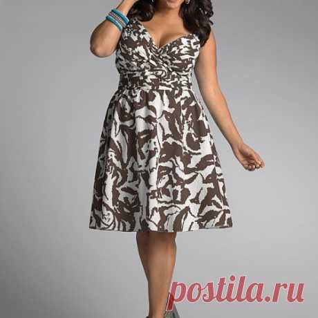 Красивые модели платьев для дам с пышными формами - 1