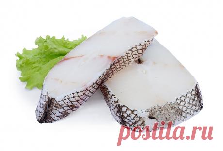 Как приготовить рыбу макрурус на сковороде В настоящей статье хочу представить простой и лёгкий рецепт приготовления обалденно вкусной и полезной рыбы макрурус. Макрурус в замороженном виде представлен во многих рыбных отделах продуктовых супермаркетов и привлекает внимание своей сравнительно низкой ценой. Тушка макруруса почти не имеет костей кроме хребта, что делает лёгкой предварительную обработку. Для лучшего и простого приготовления макруруса мы будем использовать кляр или панировку.
