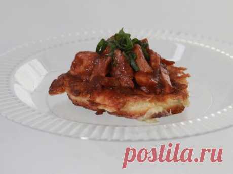 Луковые оладьи с курицей в соусе барбекю со специями тандури рецепт | Гранд кулинар
