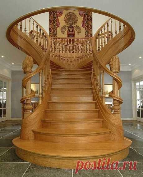 Лестница из дерева. Как вам работа?