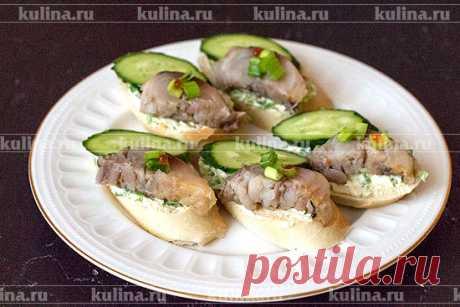 "Бутерброд со скумбрией ""Сердцу на пользу"" – рецепт приготовления с фото от Kulina.Ru"