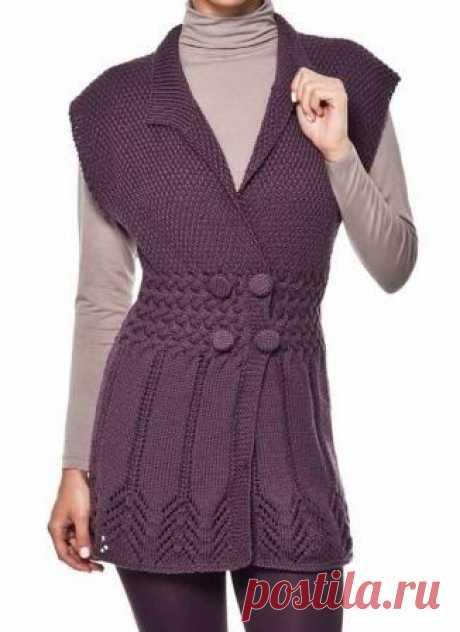 Теплая туника спицами Размер: 40/42 Вам потребуется: 4 мотка пряжи Cisne Merino Coats Corrente (50% акрил микрофибра, 50% мериносовая шерсть, 236м/100г, цвет 1079) фиолетового цвета; Спицы №3,5 и 4; Игла для сшивания; 4 пуговицы Узоры: Резинка 1 х 1: попеременно 1 лиц.