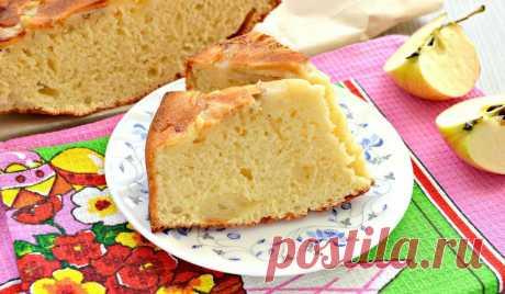 Нежное тесто на кефире и кусочки сочных яблок: изумительная на вкус шарлотка | Noteru.com