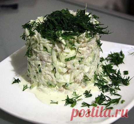 Салат с кальмарами и капустой на 100 грамм - 84.49 ккалБ/Ж/У - 5.06/0.6/15.16  Ингредиенты: Кочан капусты — 0,5 шт Показать полностью…