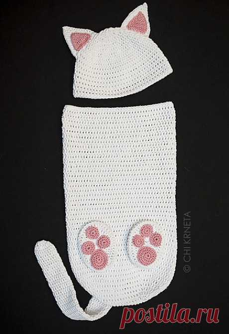 Ravelry: Cat Baby Cocoon Hat & Bootie Set pattern by Chi Krneta