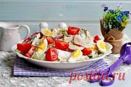 Салат с куриной грудкой, овощами и йогуртом.  Этот вкусный, сытный и полезный салат – полноценное блюдо. Хорошо подойдет и для ужина!  Вам потребуется: Показать полностью…