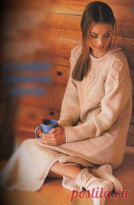 Светлое платье и носки. | Вязаное платье. Светлое платье и носки.