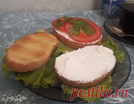 Нежный крем-сыр. Ингредиенты: сметана 20%, кефир 3,2%, соль