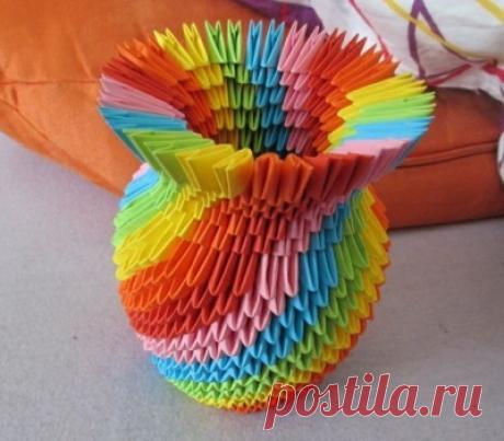 Красота из модулей по схеме в технике оригами. Можно сделать все, что угодно.