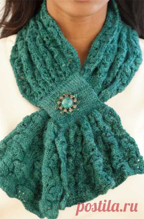 Модный шарфик с ажурным и текстурным узором