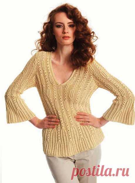 Пуловер ажурной резинкой с расширенными рукавами.