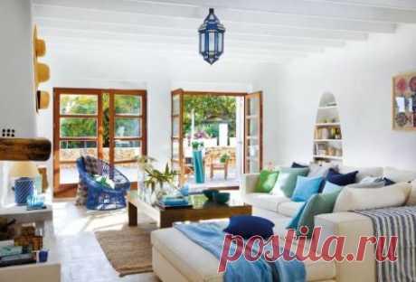 Оформление дома или квартиры в средиземноморском стиле, особенности дизайна интерьера средиземноморского стиля, выбор отделочных материалов, мебели для разных комнат.