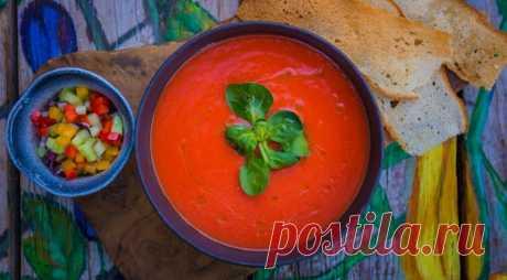 Окрошка или гаспачо? 6 рецептов самых интересных холодных супов для жаркого лета