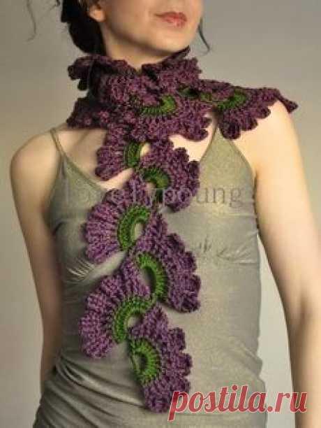 Очень женственный шарфик связанный крючком
