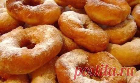 Воздушные пончики на кефире  Ингредиенты: - кефир 250 мл. - яйцо 1 шт. Показать полностью…