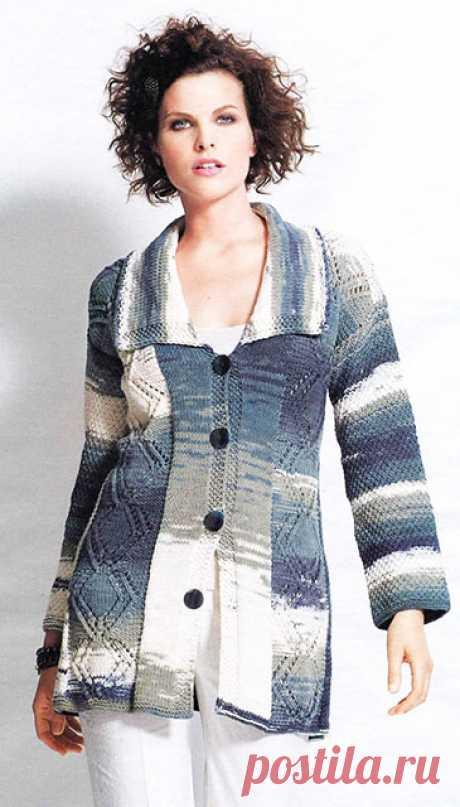 Пальто-кардиган большого размера кружевным узором на пуговицах спицами – описание вязания со схемой