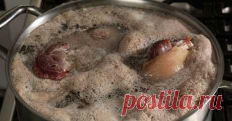 Пена при варке супа? Будьте внимательны! Как мы варим мясо? Не знаю как вы, а я заливаю водой и ставлю на плиту. При закипании, естественно, появляется пенка. Начинаю ее собирать или сливать. Оказывается, я все делаю …