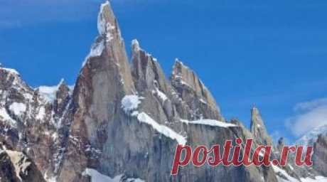 Выше облаков: 10 самых красивых гор мира, которые должен увидеть каждый Серро Торре Эта вершина находится в горной цепи Аргентинской Патагонии. Ее высота — 3128 метров. Серро Торре прозвали «невозможной горой», поскольку заостренные скалы и ужасная погода в регионе создаю...