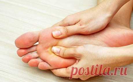 Болит пятка, больно наступать, как лечить  Обязательно к прочтению всем, даже если у вас не болит пятка, и не больно наступать. Ознакомьтесь с возможным лечением и профилактикой, чтобы избежать боли.