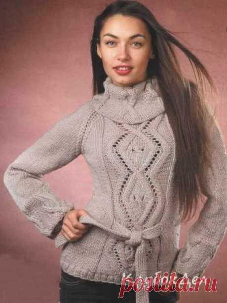 Теплый пуловер с узорами из ромбов. Вязание спицами для женщин