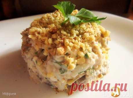 Салат из кальмаров с орехами - Рецепт с пошаговыми фотографиями - Ням.ру