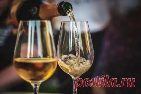 8 плюсов: чем полезно шампанское Шампанское – не просто приятный алкогольный напиток, любимый многими. Оно еще и полезно для здоровья – нормализует давление, успокаивает нервы и улучшает внешний вид. Согласно исследованиям,...