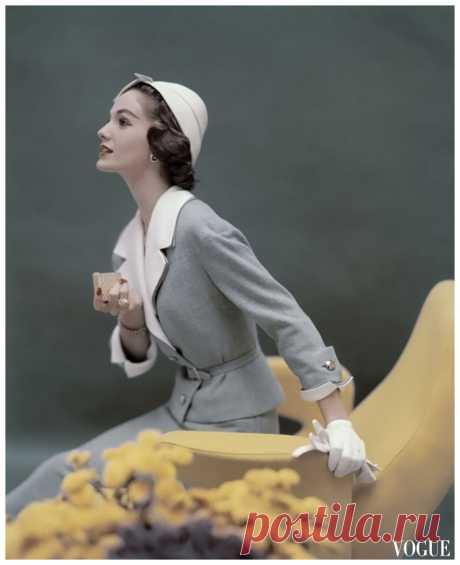 Vogue Mar 1957  Photo Karen Radkai