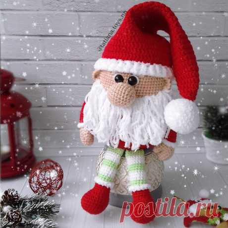 PDF Новогодний гномик крючком. FREE crochet pattern; Аmigurumi doll patterns. Амигуруми схемы и описания на русском. Вязаные игрушки и поделки своими руками #amimore - гном, гномик, кукла, куколка, gnom, dwarf, doll, puppet, muñeca boneca, poupée, puppe, panenka, bebek, lalka. Amigurumi doll pattern free; amigurumi patterns; amigurumi crochet; amigurumi crochet patterns; amigurumi patterns free; amigurumi today.