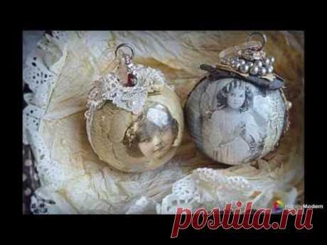 50 + de las ideas dekupazha de las bolas del árbol de Noel por las manos