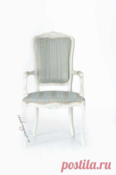 Кресло на ножках с высокой спинкой и подлокотниками Дебора-2: фото, дизайн, массив, бук, ткань