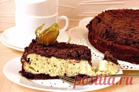 Шоколадный пирог с нежной творожной начинкой