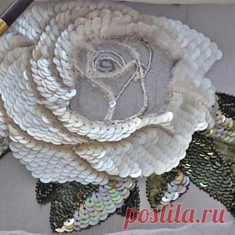 #вышивка #роза #люневильская_вышивка #embroidery #lunevilleembroidery  #мастеркласс  появилась возможность проведения индивидуальных мастер-классов по будням с 9 до 13 часов. Посещение от двух дней и более в зависимости от конкретной работы. Все игольные техники и люневильская вышивка.