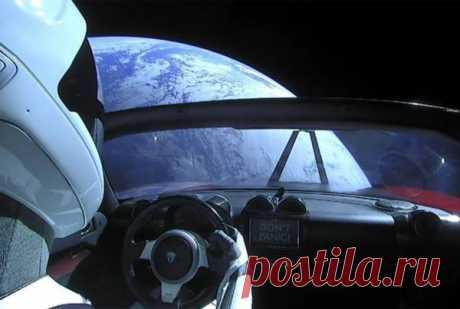 Космос все-таки убил родстер Tesla В издании LiveScience поделились, что происходит с электромобилем Tesla Roadster в данный момент. Напомним, машина провела в космосе 32 месяца, за это время в радиоактивной среде она успела как…