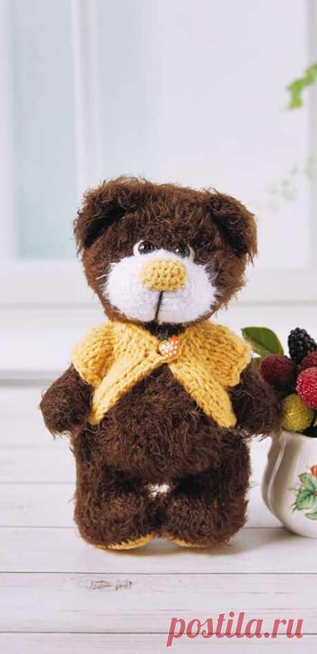 PDF Мишка Поль крючком. FREE crochet pattern; Аmigurumi doll patterns. Амигуруми схемы и описания на русском. Вязаные игрушки и поделки своими руками #amimore - Медведь, медвежонок, мишка.