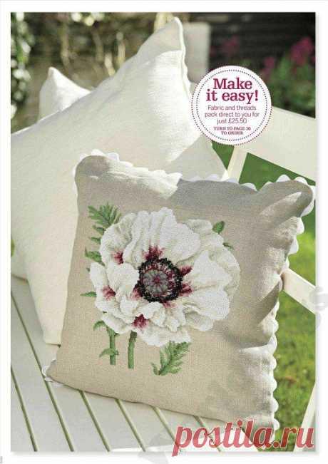 Подушка с расцветшим на ней прекрасным цветком Подушка с расцветшим на ней прекрасным цветкомПодушка с расцветшим на ней прекрасным цветком будет привлекать всеобщие взгляды.Иметь такую в интерьере это удача.