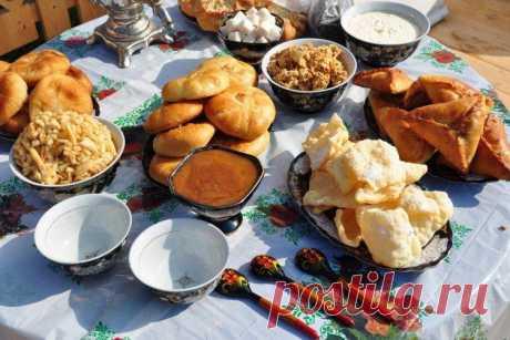 Татарские национальные блюда - 15 самых вкусных рецептов татарской кухни Для татарской кухни характерно много мяса, молочных продуктов и всевозможных супов. Делимся лучшими рецептами татарских национальных блюд – это очень вкусно и сытно!