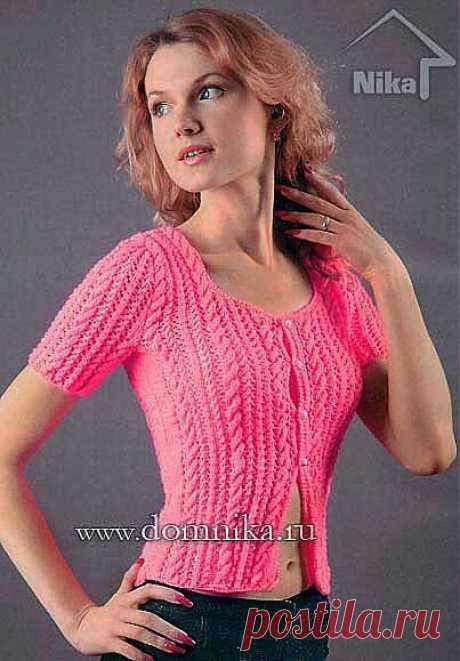 Женская розовая кофточка с коротким рукавом.