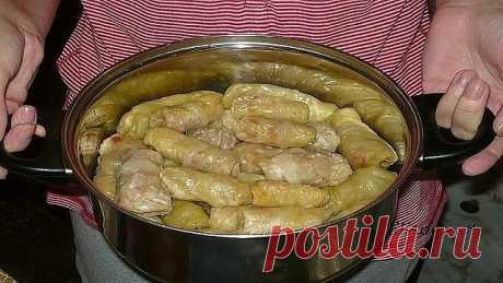 10 most tasty recipes of stuffed cabbage - surely keep! \u000d\u000a=====================================================\u000d\u000aNot to lose the recipe, press a class, and then to share\u000d\u000a=====================================================\u000d\u000a1. Stuffed cabbage with mushrooms\u000d\u000a\u000d\u000a- a white cabbage - 8-10 leaves \u000d\u000a- water \u000d\u000a- salt - to taste \u000d\u000a- vegetable oil - 2 tablespoons. \u000d\u000afor a stuffing: \u000d\u000a- fresh mushrooms - 500 g or dried mushrooms - 100 g \u000d\u000a- tomato paste - 1-2 tablespoons. \u000d\u000a- friable rice porridge - 1\/2...