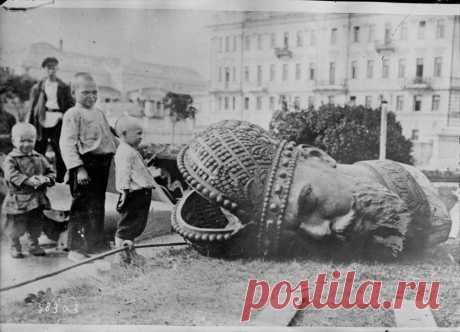 ФотоТелеграф | Советская Россия на фотографиях из французского архива, 1918-1932 годы