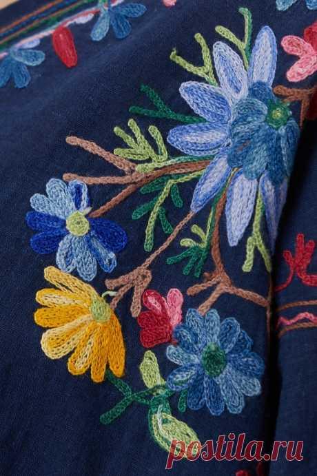 Кофточка, ручная тамбурная вышивка, 100% хлопок. Цена 3200 рублей, размеры указаны под фото.