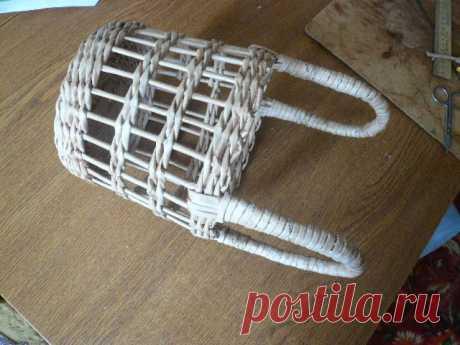 МК по плетению ажурной корзины / Работа с бумагой / Плетение из бумажной лозы
