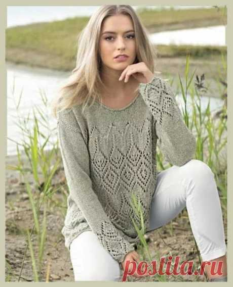 Серый пуловер с ажурными ромбами