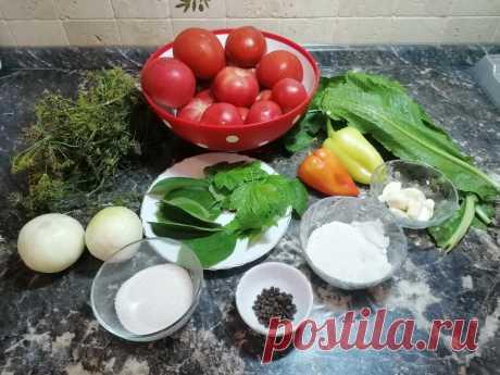Помидоры на зиму рецепты. ТОП-3 рецепта помидоров на зиму. Томаты в Европе появились намного раньше, чем табак и картофель. Их завезли из Южной Америки. Длительное время они считались несъедобными, люди выращивали их как декоративное растение. Только в прошлом веке помидоры стали считать пригодным для пищи продуктом. В настоящее время томаты используют для приготовления самых разнообразных блюд. Засол томатов на зиму. Все виды томатов пригодны […] Читай дальше на сайте. Жми подробнее ➡