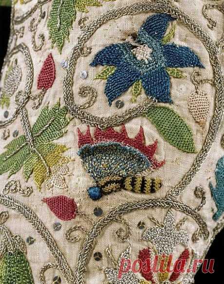 Всегда есть способ украсить жизнь красивой вышивкой, даже если изначально это была просто мешковина! А главное - сделать это талантливо, как ты умеешь!  С днём рождения!