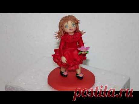 Куколка из мастике
