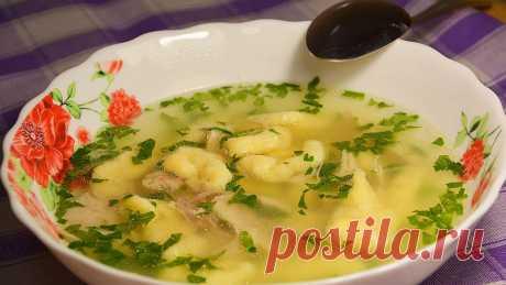 La sopa de gallina con las galushkas — el libro Culinario - las recetas de la foto