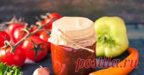 Домашняя консервация - Заготовки на зиму рецепты - foodbook Аджика яблочная Ингредиенты: помидор-1.5кг; морковь-500г; перец сладкий -500г; яблоко-500г; горький перец-4шт; чеснок-300г; масло растительное-400мл. Шаги: 1.Помидоры и яблоки очистить.2.Чеснок измельчить. 3.Перец и морковь нарезать. 4.Всё(кроме чеснока)пропустить через мясорубку.5.Массу...