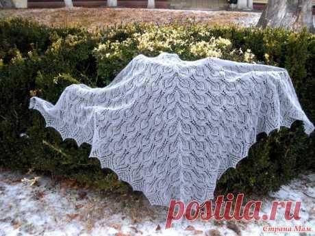 Треугольная шаль Гейл / Gail shawl Сегодня хочу показать связанную мной шаль Гейл или Gail shawl. Вот она