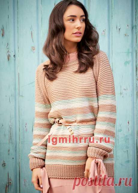 Удлиненный пуловер-реглан в полоску. Вязание спицами со схемами и описанием